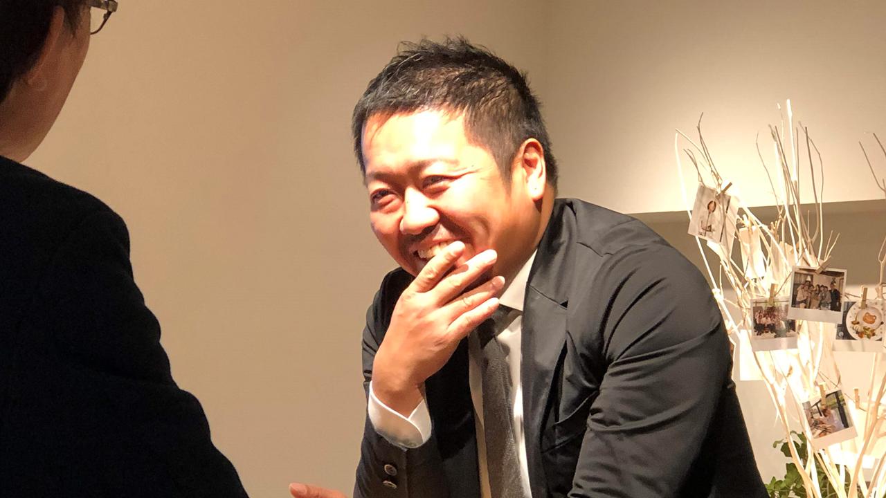 ディライト、出口社長(正面)と石塚(後)